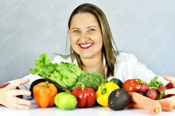 Dra. Marianne Monteil - Nutricionista